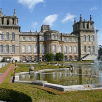 Classic Christmastime at Blenheim Palace