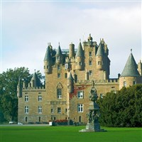 Castles, Queens & Picture Postcard Perth