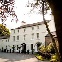 Sparth House Hotel & Shackletons