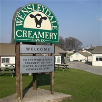 Yorkshire Explorer & Lunch at Wensleydale Creamey